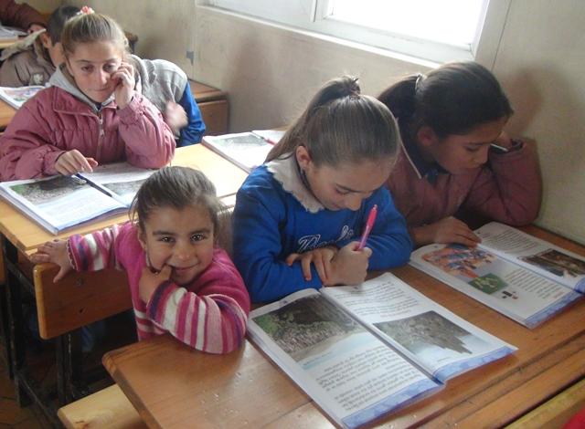 Bu köyde zorunlu eğitim 4 yıl!
