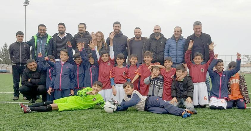 Futbolda  İlkokullar Arası Diyarbakır il şampiyonu Bağlar'dan çıktı.
