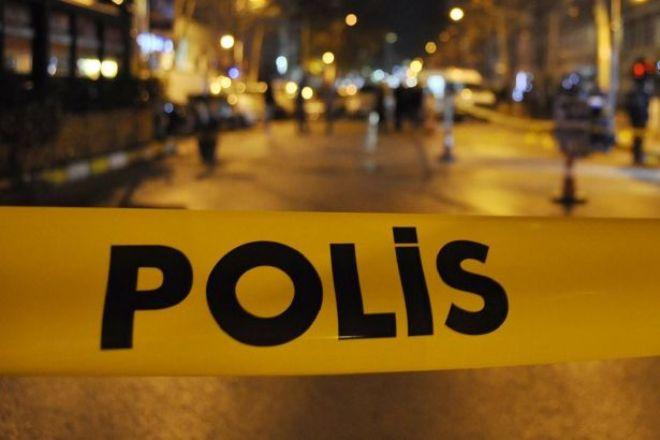Silah ve sopalarla bastıkları işyerinin sahibini öldüresiye dövdüler