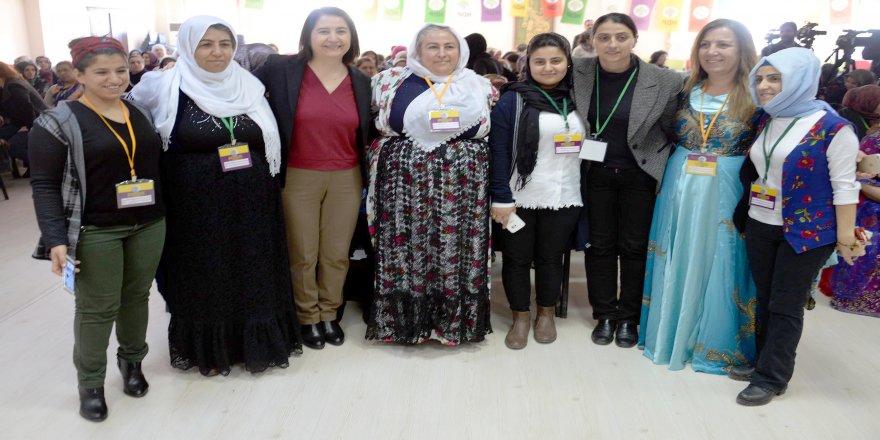 HDP'li Kemalbay: O öğretmeni tebrik etmedikleri kaldı