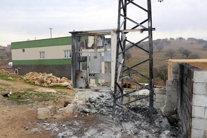DEDAŞ: Vatandaşın 'sahte sigorta' taktığı trafo böyle yandı