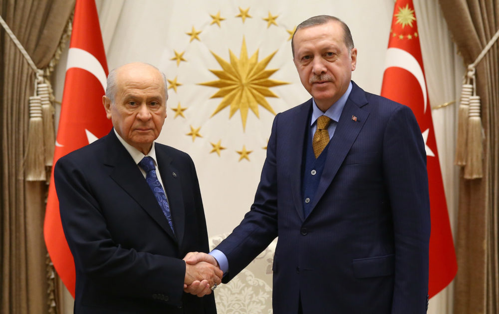 AK Parti ve MHP'nin ittifak komisyonu üyeleri açıklandı
