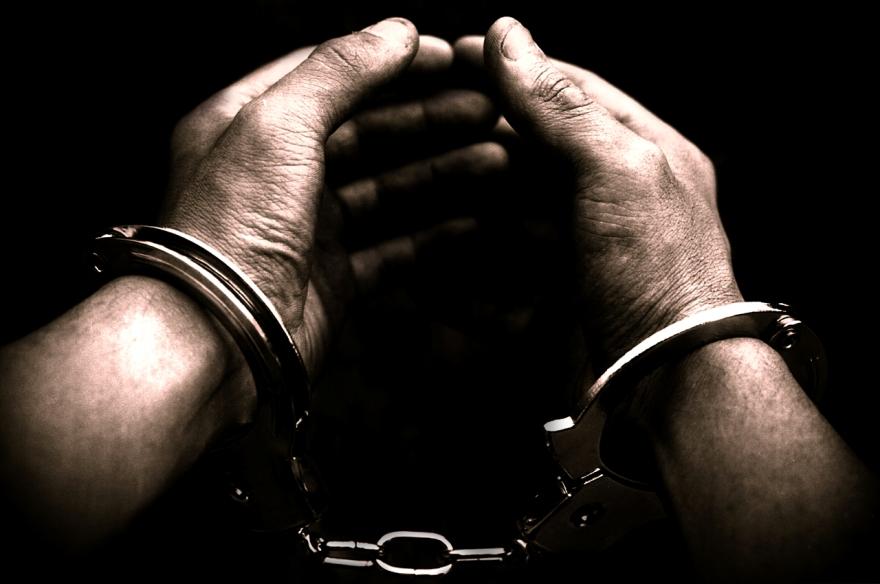 Cezaevi firarisi hırsızlık yaparken yakalandı