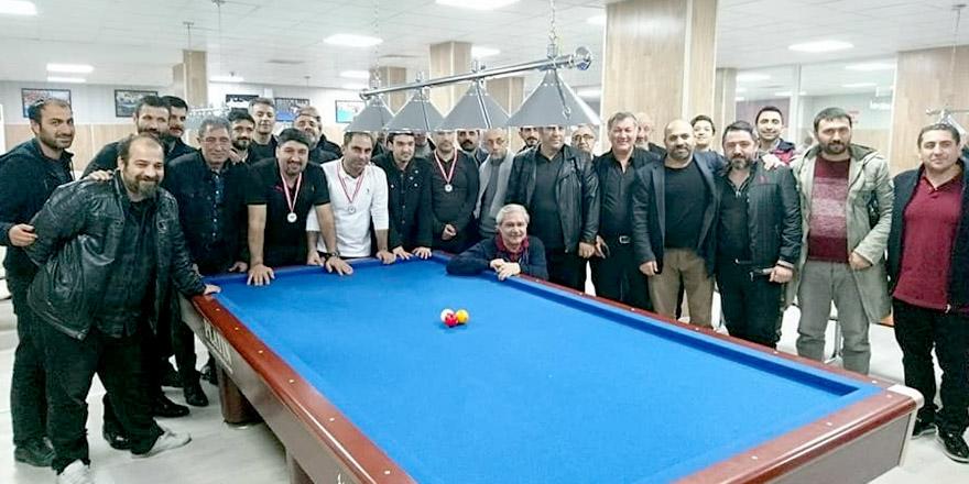 Bilardo şampiyonu Erkan Aktı oldu