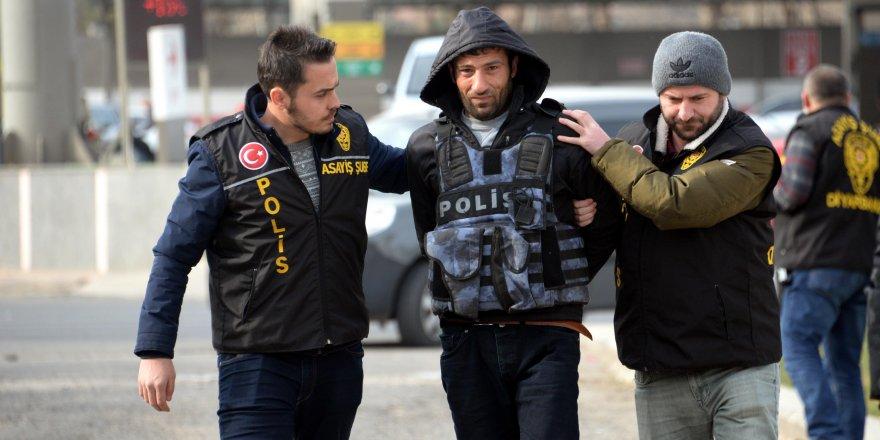 Eşini öldürüp gazetecilere konuşan katil zanlısı, 40 gün sonra yakalandı