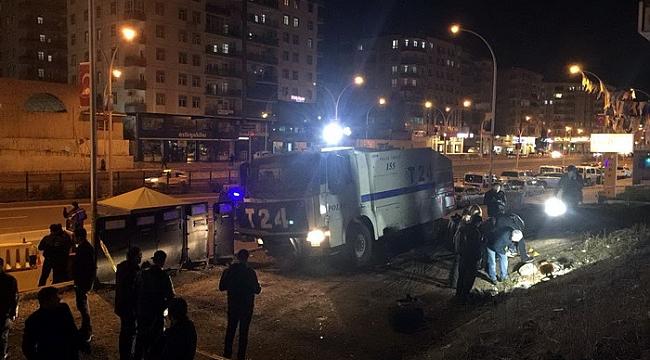 Polis noktasına el yapımı patlayıcı ile saldırı