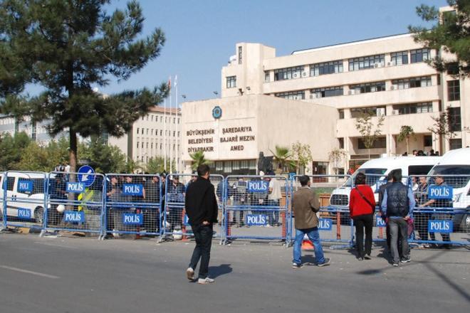 Büyükşehir'de 57 kişi işten çıkartıldı