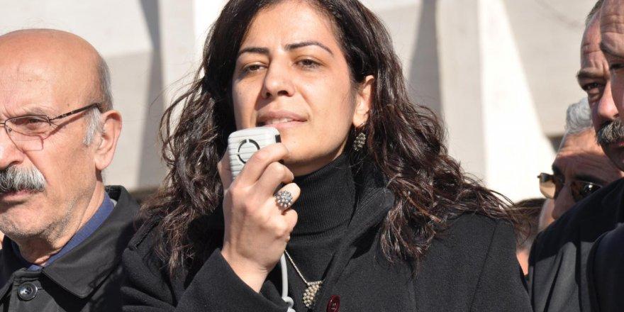 Ayla Akat Ata gözaltına alındı