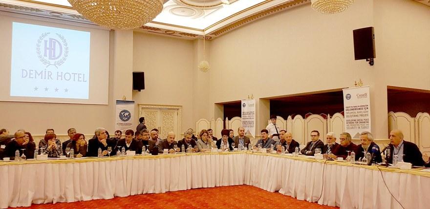 Sosyolog Yeğen:  Kürtler Ak Parti ile devam edip etmeyeceklerine karar verecek