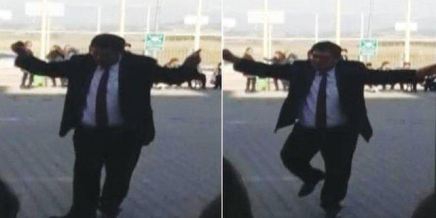 10 Kasım'da göbek atan okul müdürüne cezası