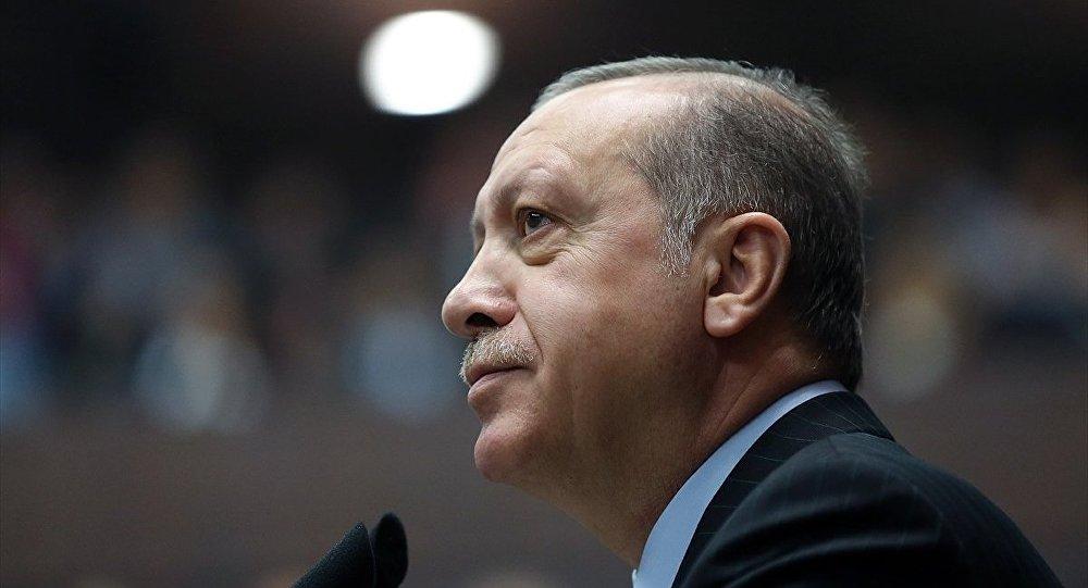 Aydınlardan Erdoğan hakkında suç duyurusu
