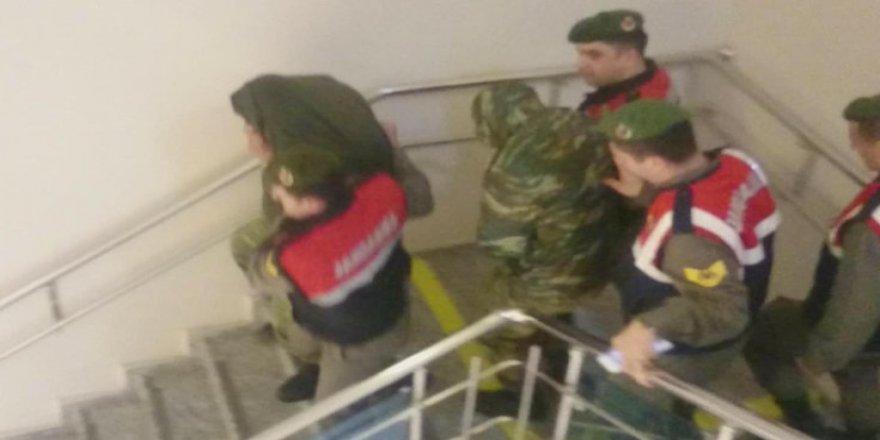 Yunan askerlerin tutukluluğuna itiraz