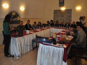 Gazetecilere 'çatışmalı ortam' semineri