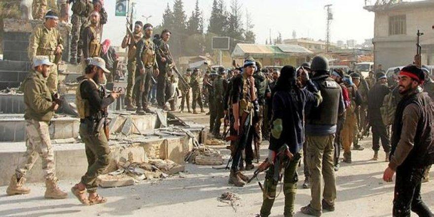 Guardian: Afrin'de kalan YPG'liler vur-kaç tekniğiyle saldırmaya hazırlanıyor