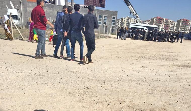 Muhabirimiz gözaltına alındı