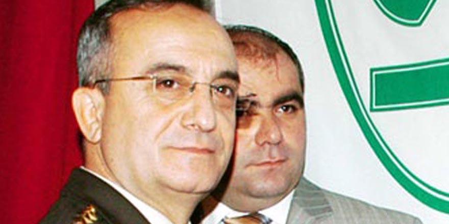 Albay'ın eşine El Kaide kumpası
