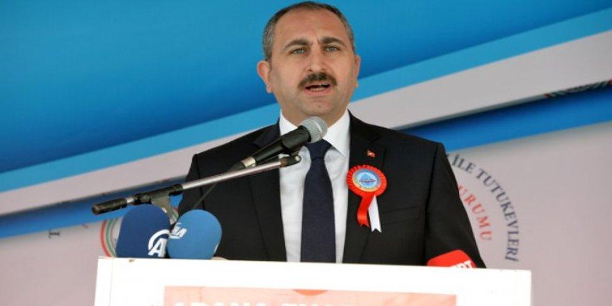 Gül: Türkiye'de hukuk var ve işliyor