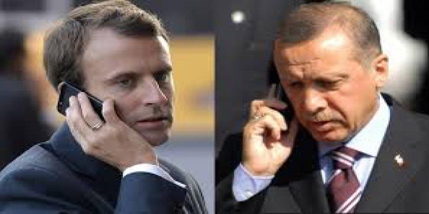 Erdoğan Macron İle Telefonda Görüştü