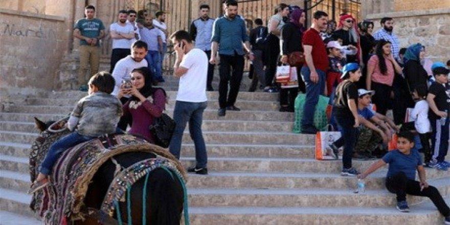 Turistler evlerde ağırlanıyor