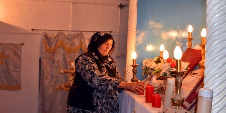Tarihi Ermeni Kilisesi, Müslüman kadına emanet