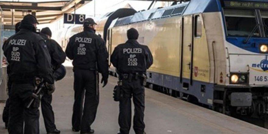 Almanya'da trende tecavüz, tüm yolcular gözaltında