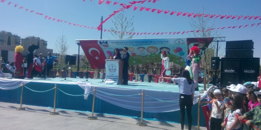 CANLI YAYIN... Diyarbakır'da 23 Nisan Ulusal Egemenlik ve Çocuk Bayramı çeşitli etkinliklerle kutlanıyor.