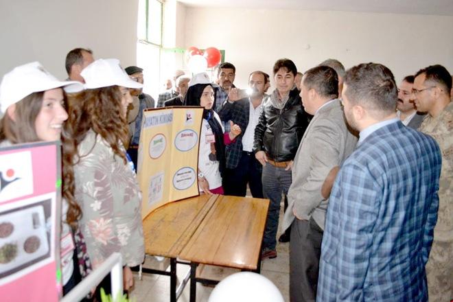 Sason'da TÜBİTAK 4006 Bilim Fuarı açıldı