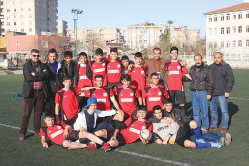 Ergani U–17 takımı şampiyon oldu