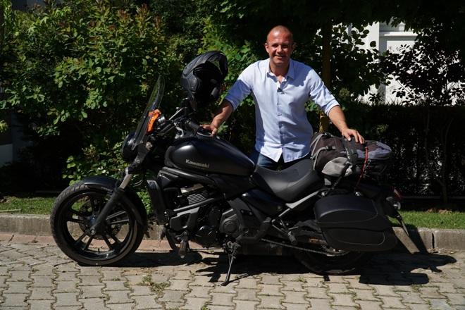 Tasarrufa dikkat çekmek için motosikletle  30 ili gezecek!