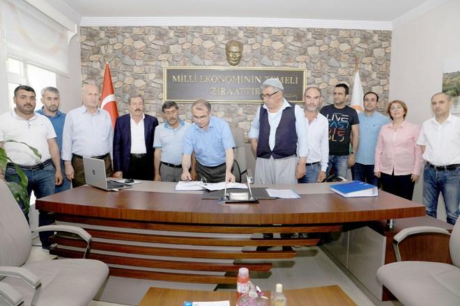 Proje sahipleriyle, Bireysel Sulama Sistemleri hibe sözleşmesi imzalandı