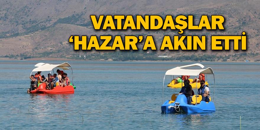 Hazar Gölü Tatilcilerin Akınına Uğradı