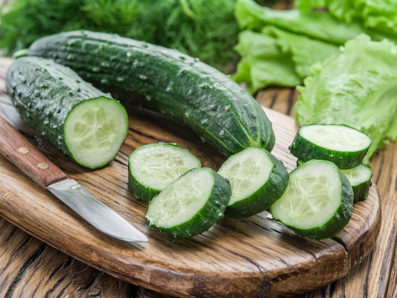 Bir hafta boyunca salatalık yerseniz ne olur?