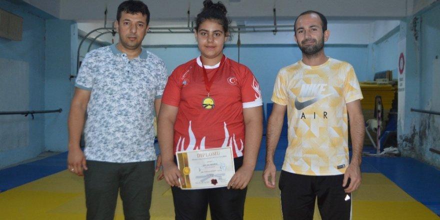 Kilo Vermek İçin Judoya Başladı, Balkan 3'üncüsü Oldu