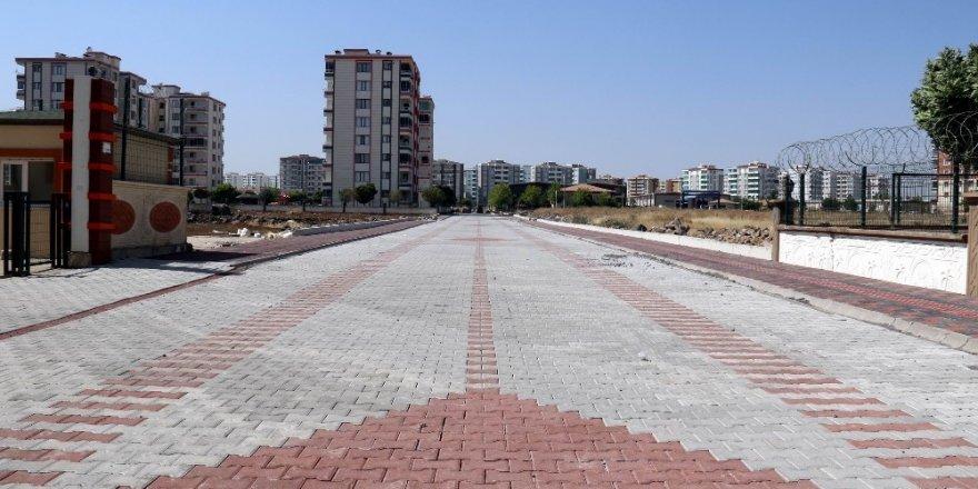 Bağlar Belediyesi 9 Noktada Yol Yapıyor