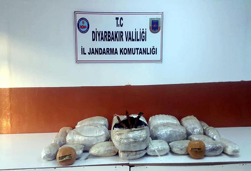 Diyarbakır'da 59 kilo esrar ele geçirildi