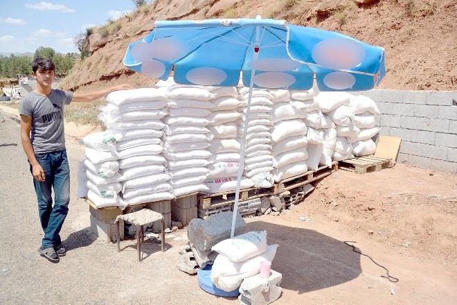 Bu köyde yılda 100 ton kaya tuzu üretiliyor