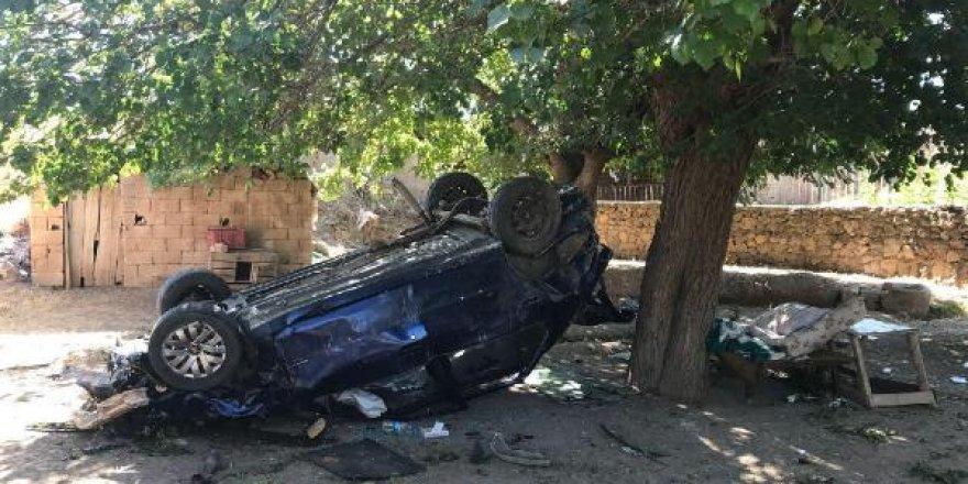 20 Metreden Evin Avlusuna Düşen Otomobildeki 3 Kişi Yaralandı
