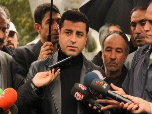 Demirtaş: AKP tarihe utanç yazdırmak istiyor