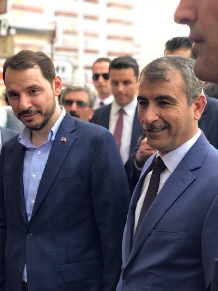 """""""AK PARTİ MİLLETİN SEVDASIDIR"""""""