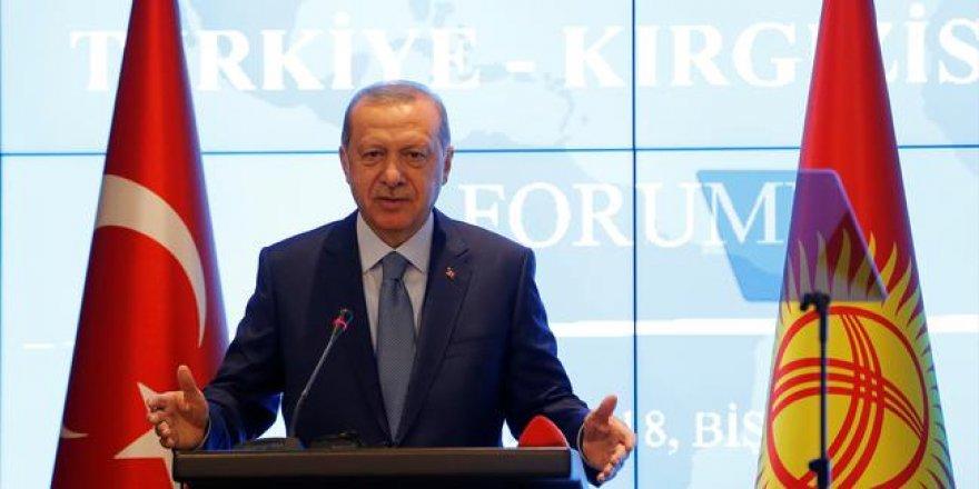 Erdoğan: Doların egemenliğine yavaş yavaş son vermeliyiz