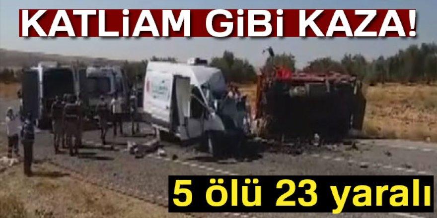 Kamyonet minibüsle çarpıştı: 5 ölü, 23 yaralı