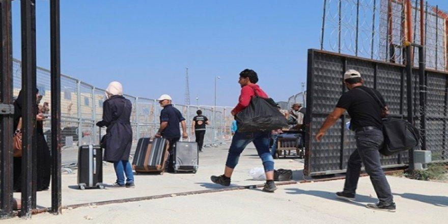 İYİ Partili Özdağ: Bayramlaşmaya giden Suriyeliler Türkiye'ye geri alınmasın