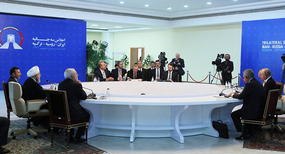 Putin, Erdoğan ve Ruhani, Tahran'da bir araya geldi