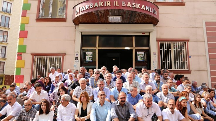 """""""Demirtaş ve Önder'e verilen ceza siyasidir"""""""