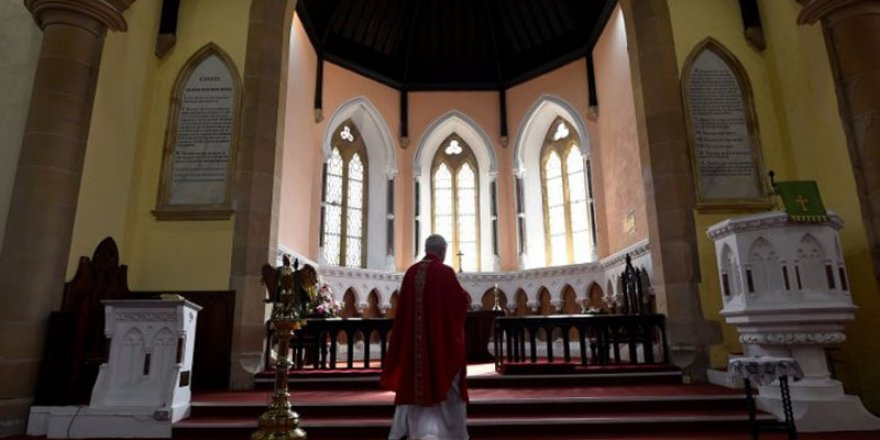 Katolik Kilisesinde çocuklara cinsel taciz skandalı