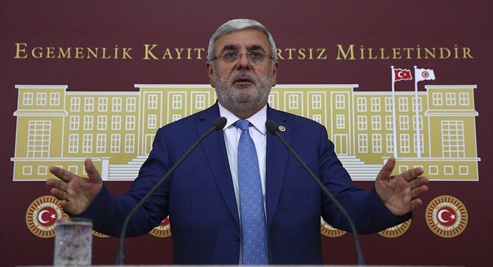 Mehmet  Metiner'den meclise tasarruf tavsiyeleri