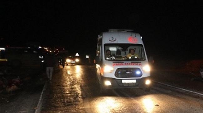 Diyarbakır'da tırın altında kalan 2 kişi hayatını kaybetti