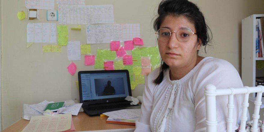 2 çocuk annesi, tıp eğitimi hayaline kavuşmayı bekliyor