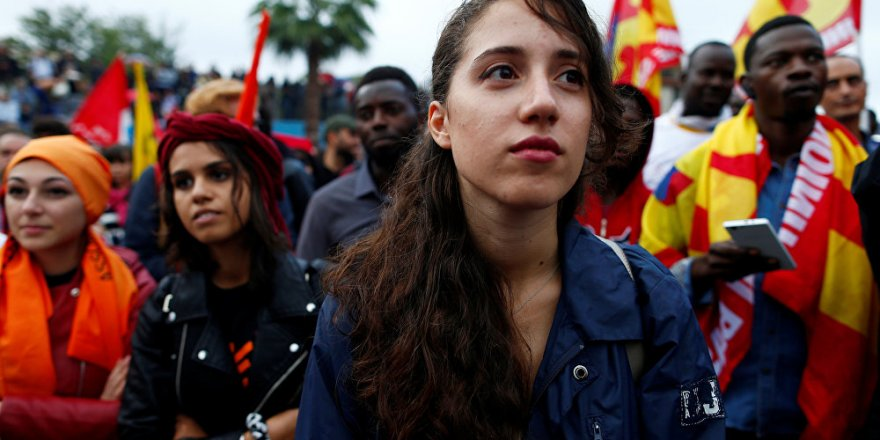 İtalya'da göçmenler başkana sahip çıktı
