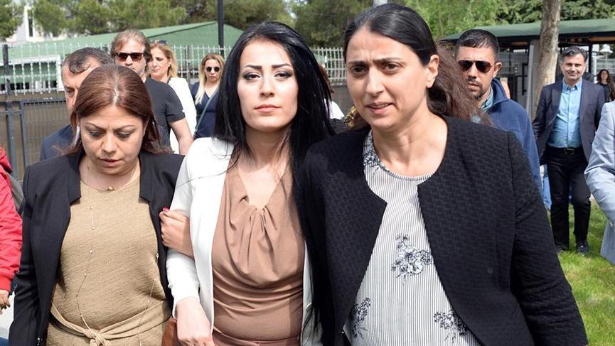 Ayşe öğretmenin cezası 6 ay ertelendi